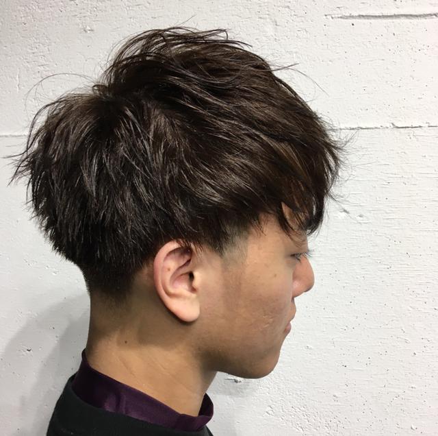 マッシュスタイルのメンズヘア